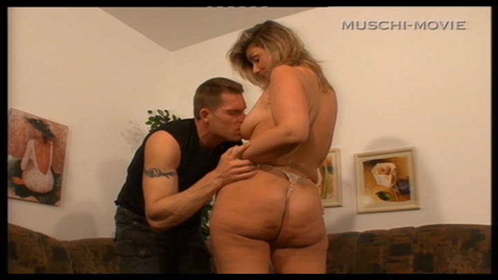 Homewife get a taste for lessdick bodybuilder